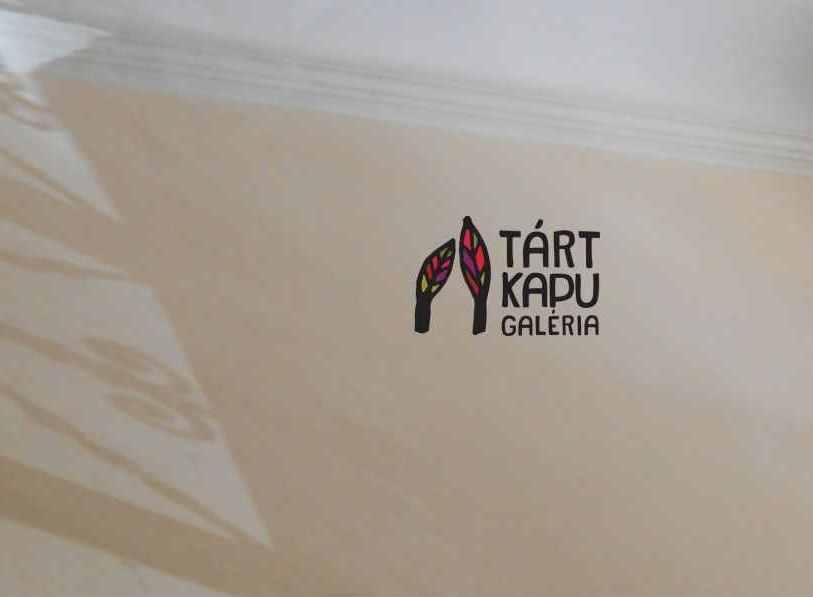 Meghívó-Tárt Kapu Galéria-Könyvbemutató és Artézi c_ kiállítás(1)(2)